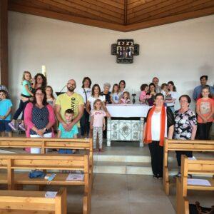 Gruppenfoto in der Kirche