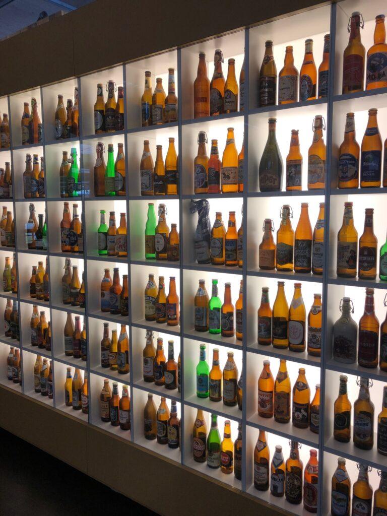 Bierflaschen im Hopfenmuseum