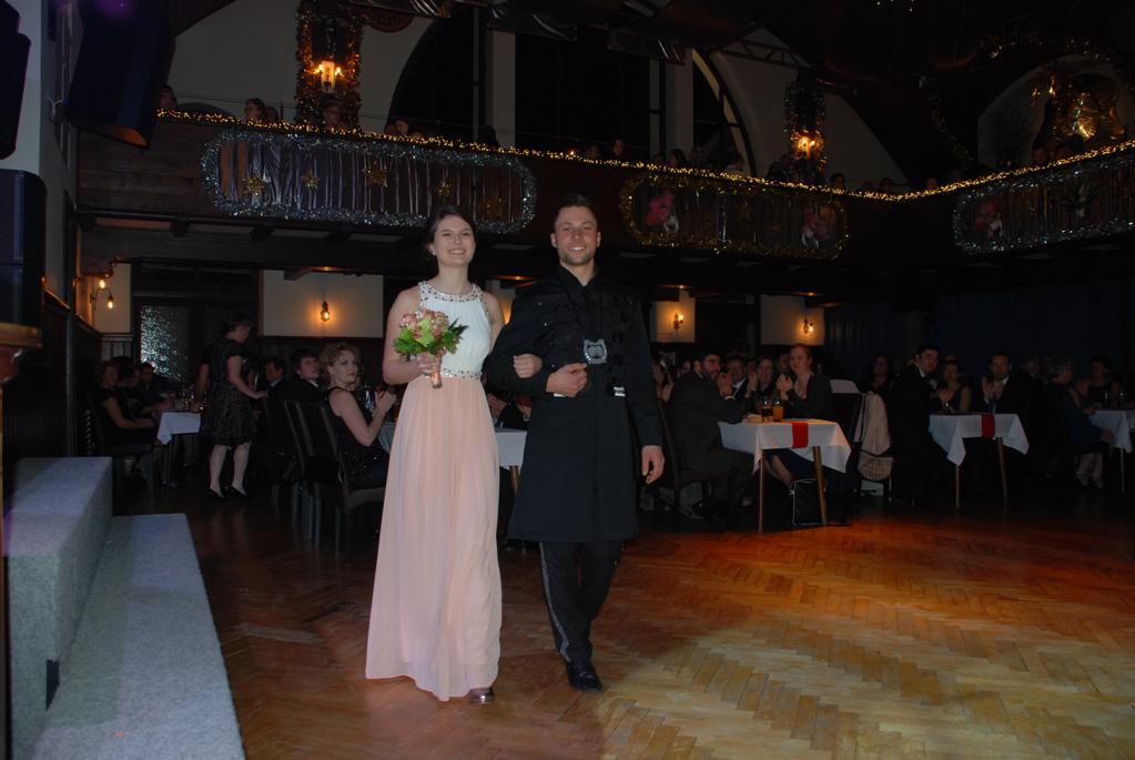 Ballkönigin mit Prinz