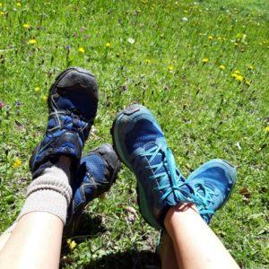 Fusse im Gras